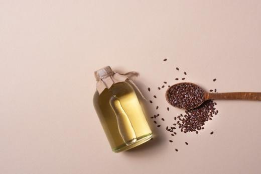 Как пользоваться льняным маслом? Идеальный продукт для похудения и тонизирования кожи