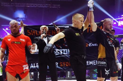 Александр Шлеменко проиграл Брэндону Хэлси за 35 секунд и потерял титул Bellator