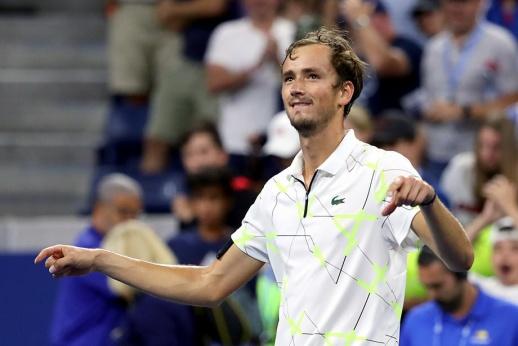 US Open — 2021: Даниил Медведев обыграл в 1-м круге француза Ришара Гаске, американцы встретили его благосклонно