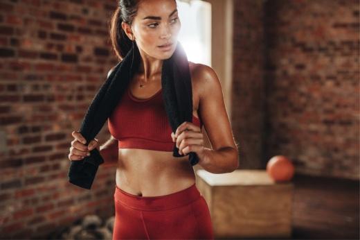 Утренняя гимнастика в постели, пилатес и растяжка лёжа на кровати, лучшие упражнения для начинающих