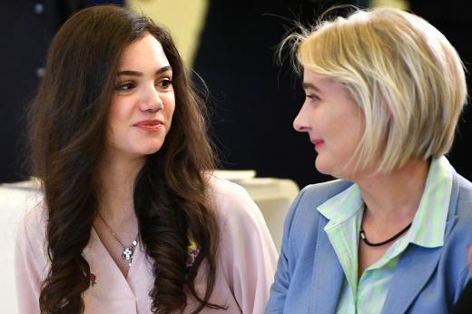 «Не знаю, где бы сейчас была без неё». Как мама Медведевой подчинила жизнь карьере дочери
