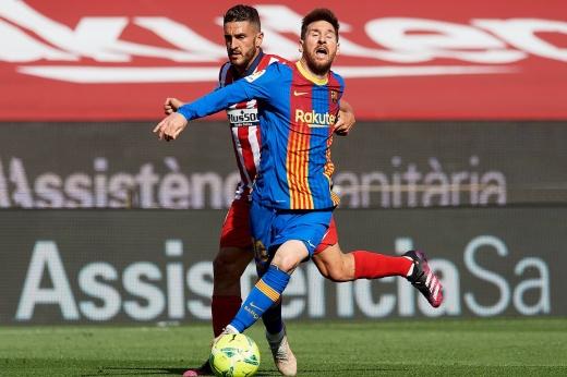 «Атлетико» остановил Месси фолами. А больше в «Барселоне» было некого останавливать