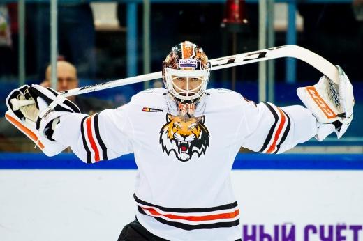 От уникального дебюта в НХЛ до пропажи из-за долгов. Грустная история вратаря Печурского