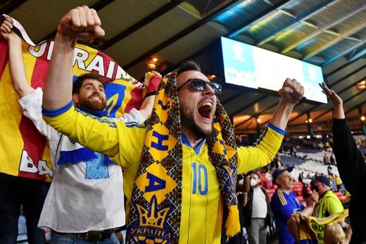 «Эй, Россия, как твои дела?» Украинские СМИ и фанаты в эйфории от победы на Евро