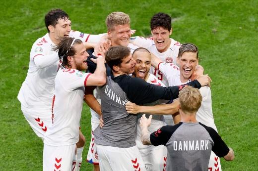 На их месте могла быть Россия! Дания без Эриксена уже в четвертьфинале Евро