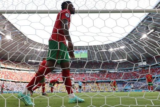 Оборона сборной Португалии возмутительна. Почему этот хаос продолжался почти весь матч?