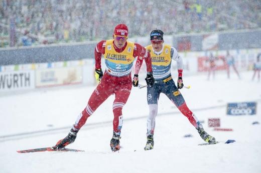 Большунов разгромил Клебо и норвежцев на финальном этапе Кубка мира по лыжным гонкам в Швейцарии