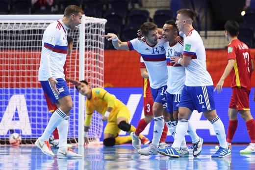 Неприятная интрига. Россия пропустила от Вьетнама на последних минутах, но смогла победить