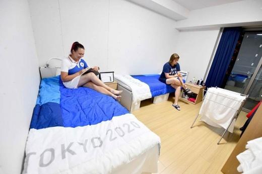 «Антисекс» по-олимпийски. Как картонные кровати стали первым мемом Игр в Токио