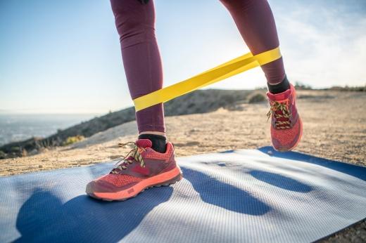 Для чего нужен эспандер и как им пользоваться, подборка упражнений для домашней тренировки