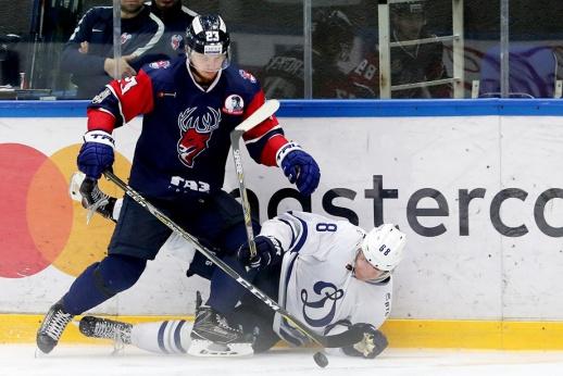 Бек — в «Авангарде», Чайковски — в «Динамо». Дедлайн в КХЛ. Как это было