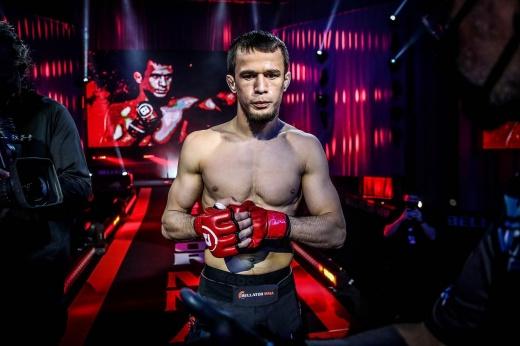 Bellator 263: Усман Нурмагомедов нокаутировал Мэнни Муро в первом раунде, видео
