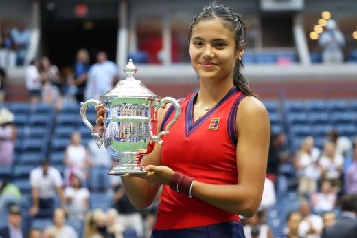 18-летняя Эмма Радукану отдаст родителям $ 2,5 млн призовых за победу на US Open — 2021, как изменилась жизнь британки