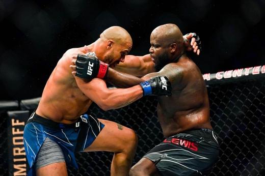 UFC 265: Майлс Джонс нокаутировал Андерсона дос Сантоса, видео боя