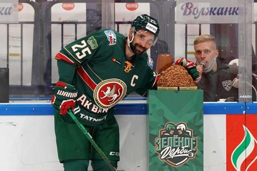 Зарипов напомнил, что он – великий, в «Барысе» подставили тренера. Что происходит в КХЛ