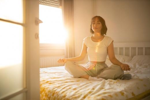 Вместо завтрака в постель: 5 асан для утренней зарядки
