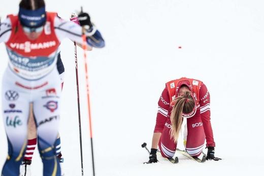 Шведская лыжница — героиня дня! Карлссон взяла медаль через боль – её увезли на «скорой»
