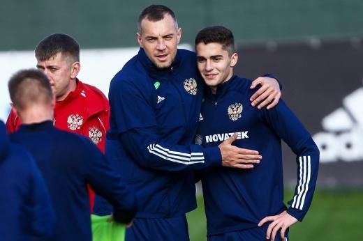 «С Жирковым был на «вы». В неполные 18 лет Захарян попал в главную сборную России