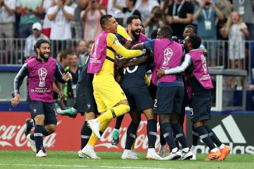 Прекрасному чемпионату — шикарный финал! Французы с хорватами зажгли напоследок