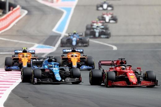 Почему Хэмилтон и «Мерседес» проиграли «Ред Булл» на Гран-при Франции Формулы-1 — анализ