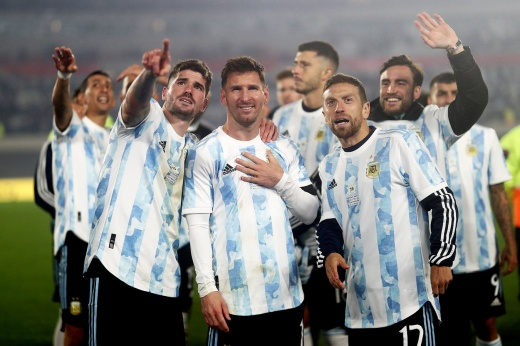 Великий вечер Месси — Лео побил рекорд Пеле и плакал вместе со стадионом