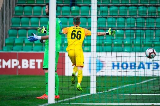 Вратарь молодёжной сборной России забил гол! Да ещё и победный!