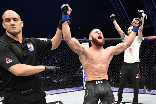 UFC 265: Киргизский Атаман Рафаэль Физиев победил Бобби Грина решением судей, видео боя
