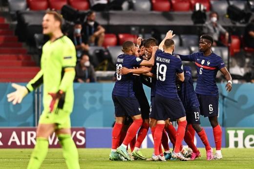 Германия впервые в истории проиграла в первом матче Евро. И ещё легко отделалась!