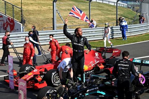 Анализ столкновения Макса Ферстаппена и Льюиса Хэмилтона на Гран-при Великобритании Формулы-1