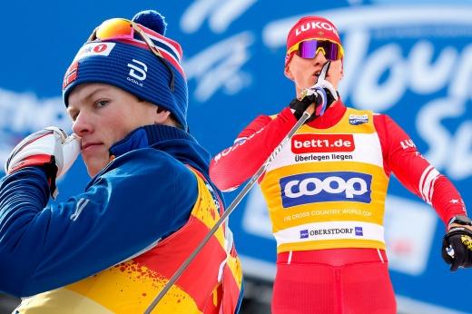 «Отстой, что ещё сказать?» Норвежец Клебо разочарован победами Большунова на «Тур де Ски»