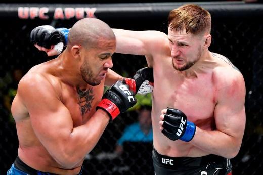 UFC: Андрей Орловский вызвал на бой российского бойца Александра Волкова
