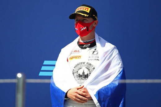 Никиту Мазепина дважды оштрафовали в основной гонке этапа Формулы-2 в Бахрейне