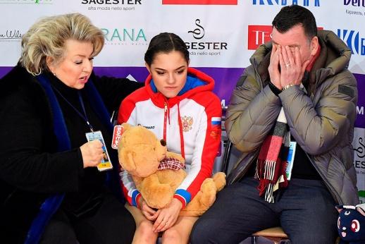 Медведева угробила сезон. Удастся ли спасти карьеру?