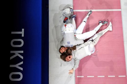 «Оля, ты супер!» Российские саблистки драматично защитили титул олимпийских чемпионок