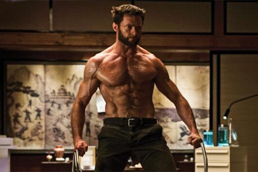 Хью Джекман стал Росомахой 20 лет назад, но всё ещё хвастает массивными мышцами