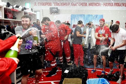 Эмоции зашкаливают: что творилось в раздевалке сборной России