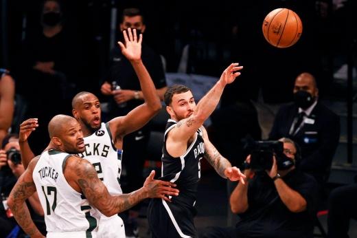 Финал НБА «Финикс Санз» — «Милуоки Бакс», обзор первого матча серии