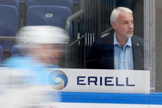 «Наш игрок должен поехать в НХЛ. Только так он поймёт, что там на фиг не нужен»