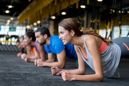 Персональные или групповые: как выбрать формат тренировок в зале
