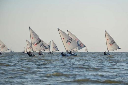 «Наш экипаж был готов к сильным ветрам». Испытание для лучших молодых яхтсменов России