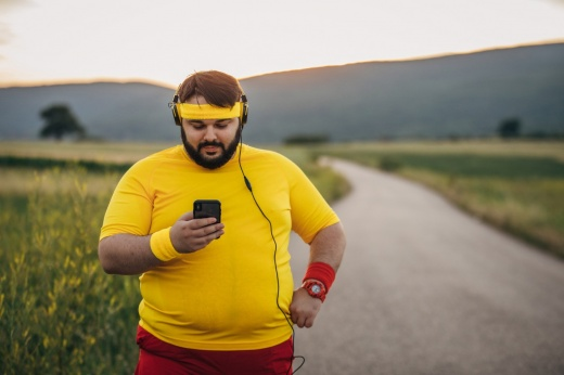Что лучше: больше повторений с лёгким весом или меньше с тяжёлым? Рекомендации спортсмена
