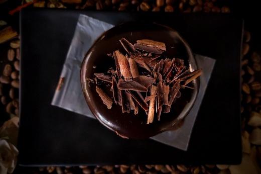 Чем полезен горький шоколад и сколько его можно есть?