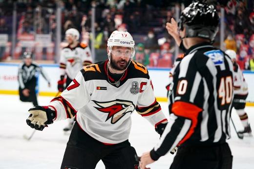 КХЛ и «Авангард» видят хоккей по-разному. Что не так с судейством в финале Востока