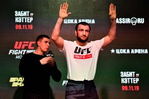 «Мне ещё есть куда расти». Абубакар Нурмагомедов только начинает свой путь в UFC