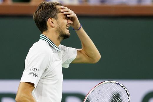 Ужасный провал Медведева в 4-м круге Индиан-Уэллса! Даниил отдал сопернику 8 геймов подряд