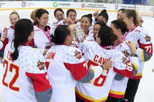 Интервью с чемпионкой мира в составе юниорской сборной Канады и голкипером сборной Китая Кимберли Ньюэлл