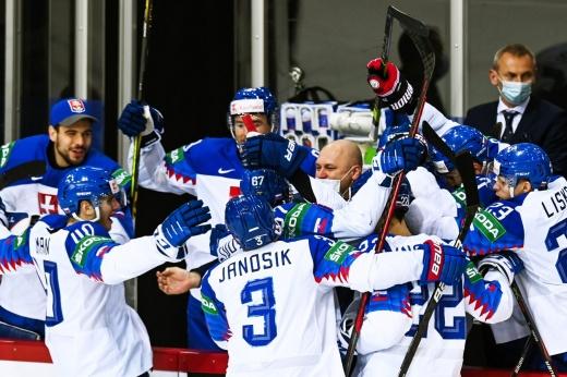 Первое поражение России на ЧМ! Судьбу матча со словаками решило глупое удаление Шалунова