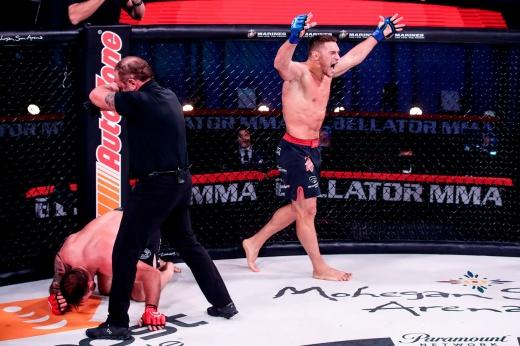 Боец «Фёдор Тим» Анатолий Токов готовится к титульному бою с Гегардом Мусаси в Bellator