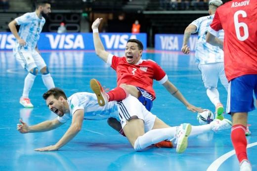 Россию отправили домой с ЧМ по мини-футболу. Наши сделали героем аргентинского вратаря