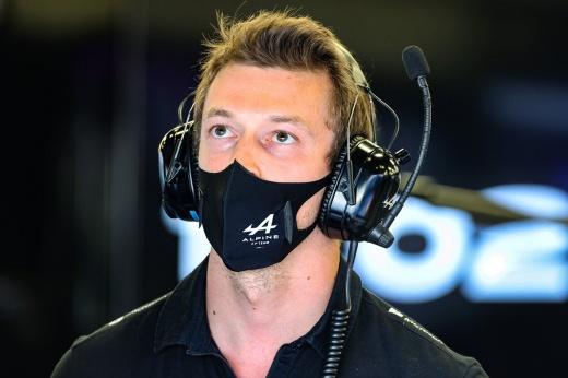 Боттас может потерять место в команде «Мерседес» в Формуле-1, его место займёт Джордж Расселл